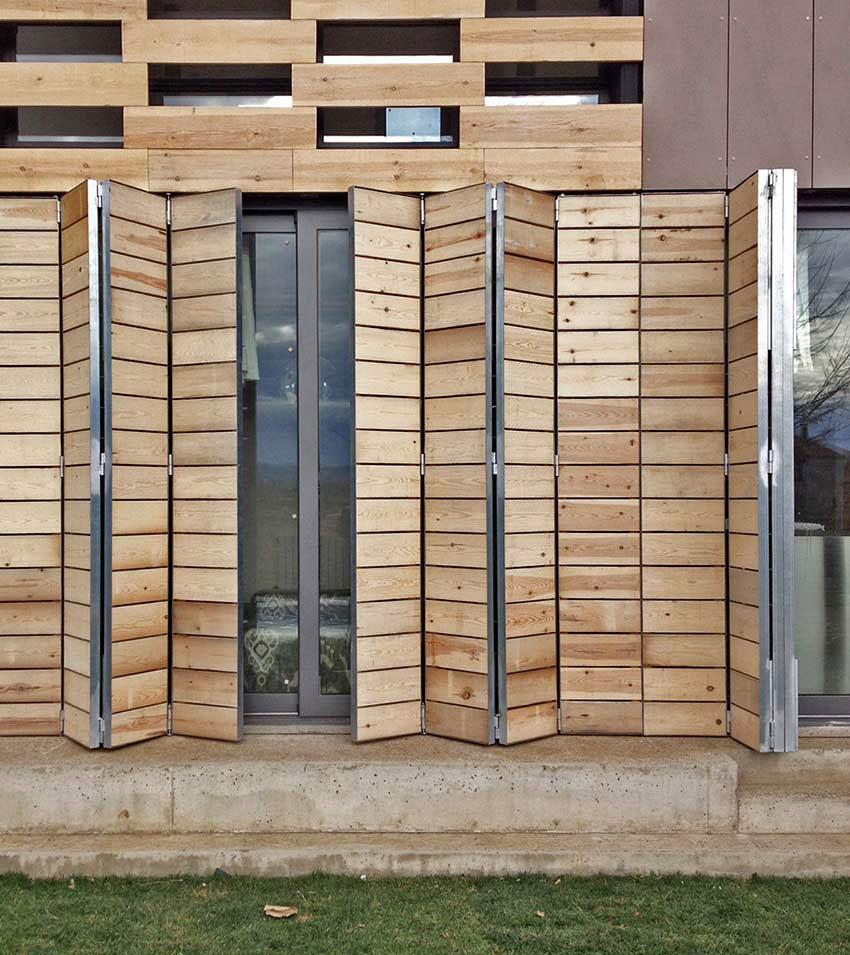 Porticones de madera wooden shutters borrell jover for Porticones madera exteriores